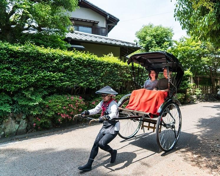 Рикша велосипед трехколесный.