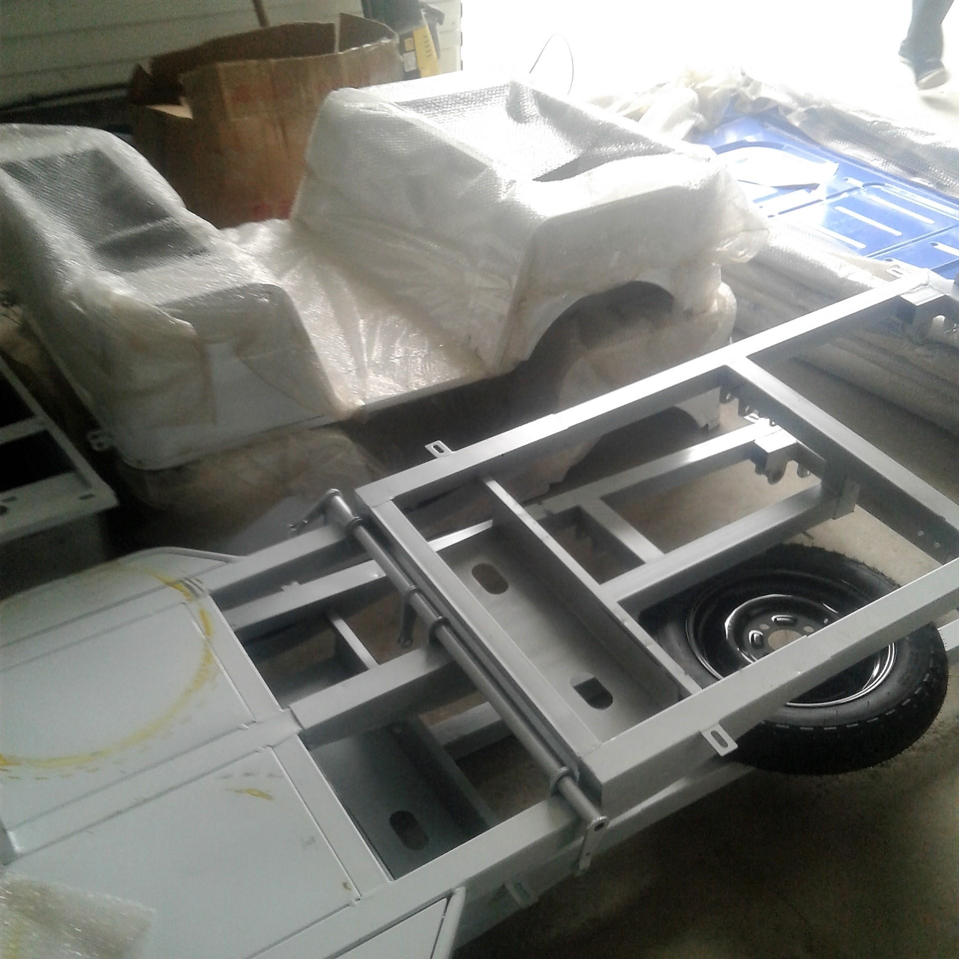 Разгрузка контейнерас рикшами